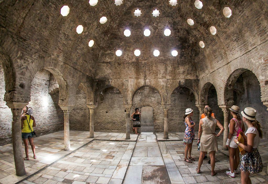 Арабские бани в Гранаде