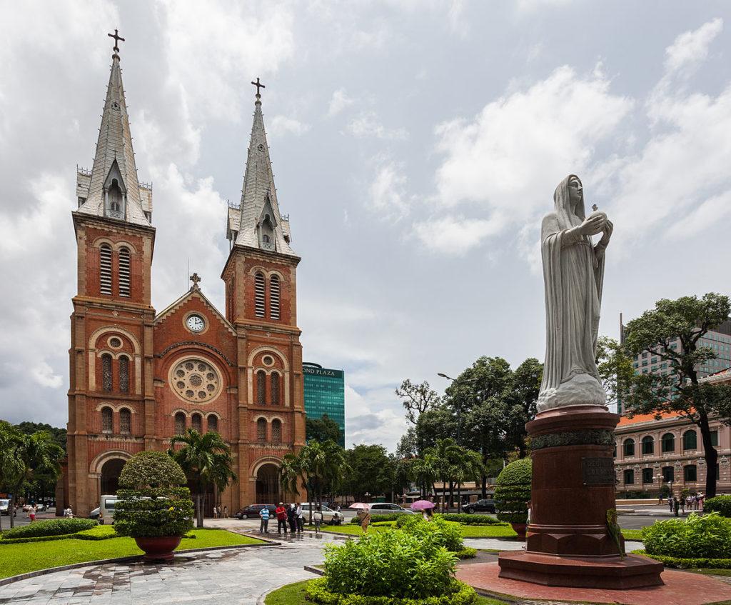 Хошимин, Католический собор Notre Dame de Saigon