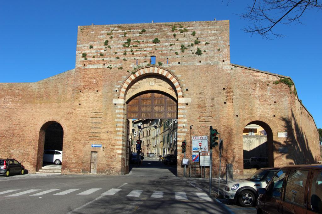 Ворота Сан Марко в Сиене