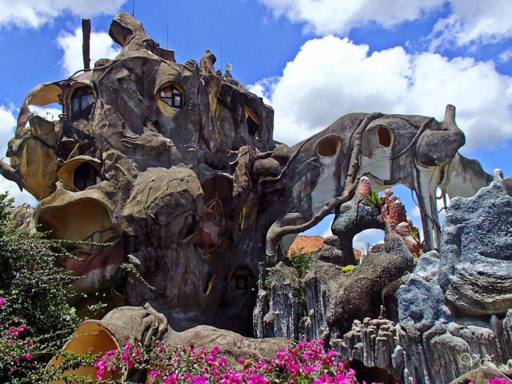 Сумасшедший дом Ханг Нга в Далате