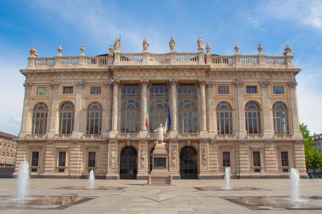 Палаццо Мадама в Турине