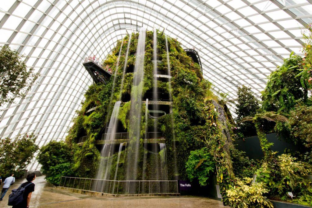 Оранжерея «Облачный лес» в Сингапуре