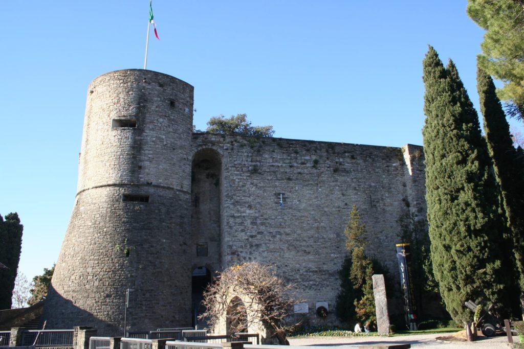 Замок - крепость Ла Рокка в Бергамо