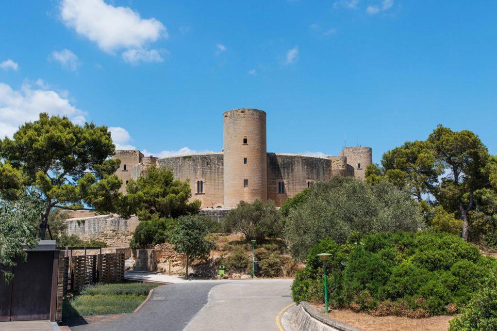Замок Бельвер в Пальме-де-Мальорка
