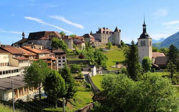Деревня Грюйер близ Женевы