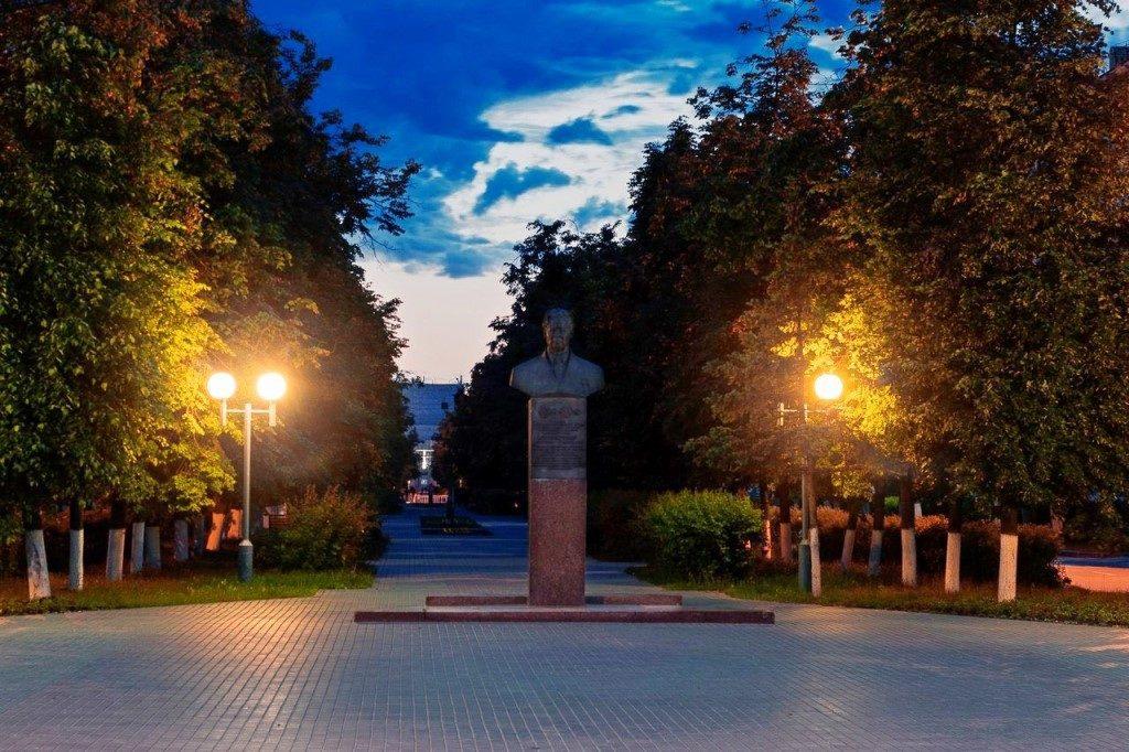 Бюст Н.С Патоличева в Дзержинске