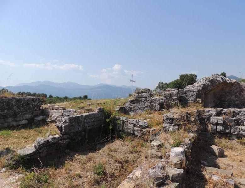 Руины храма Архангела Михаила, Тиват
