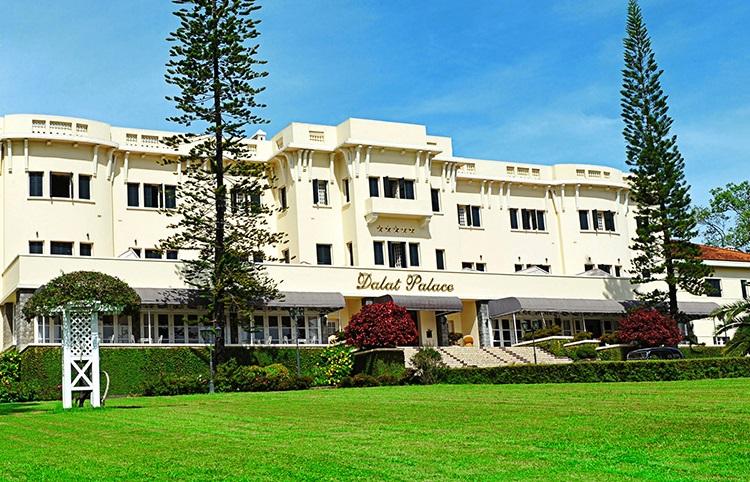 """Отель """"Dalat Palace"""" в Далате"""