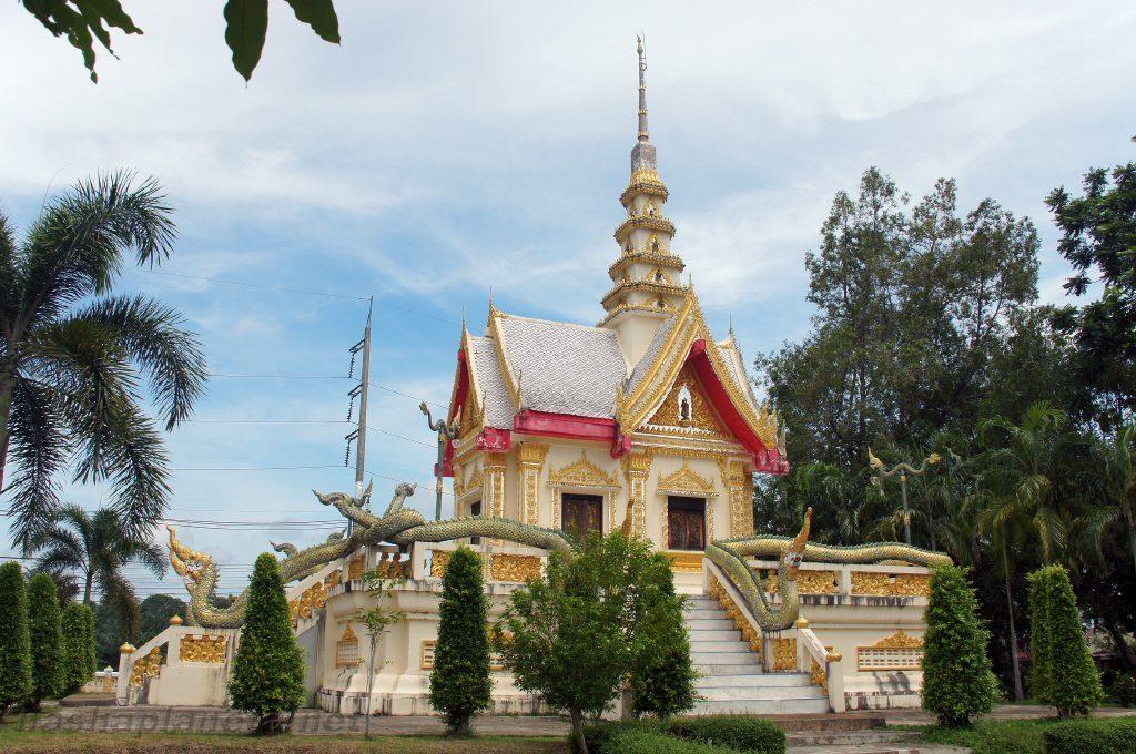Храм Wat Klong Tom в Краби