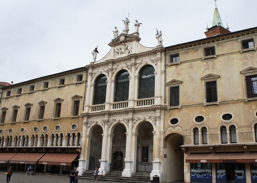 Церковь Сан-Винченцо в Виченце