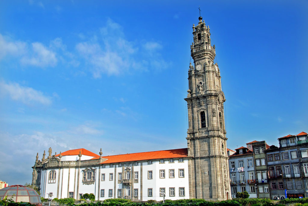 Церковь Клириков и Колокольня Клиригуш в Порту