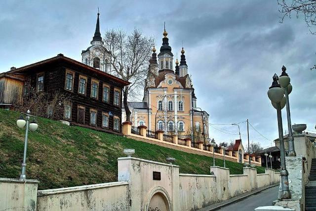 Где отметить день рождения в Томске?