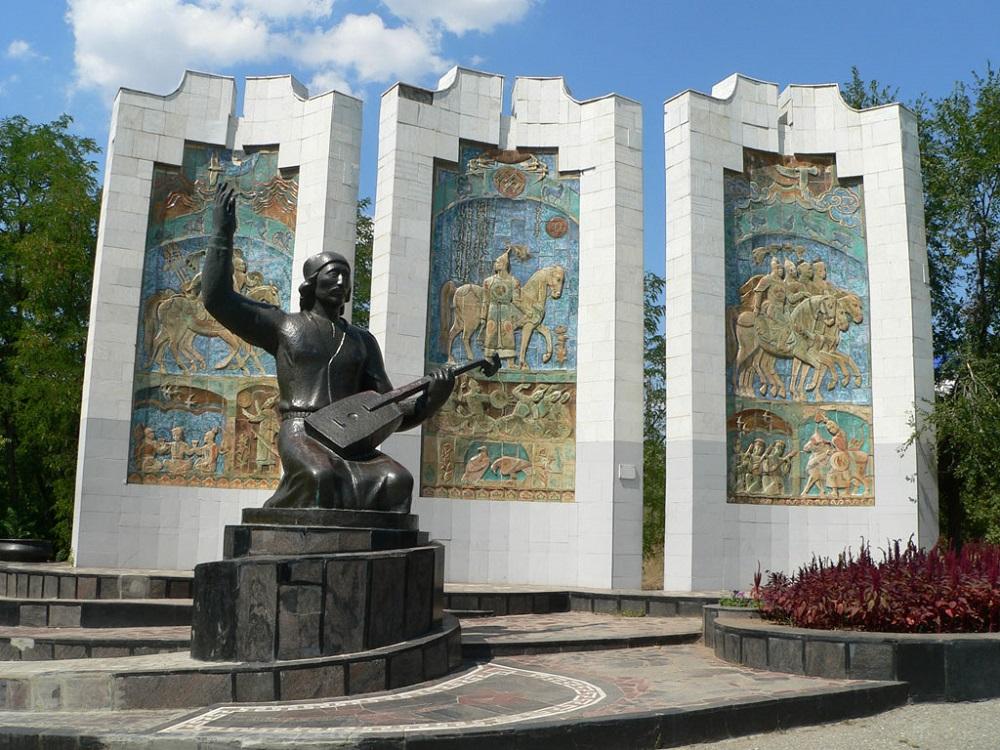 Город Элиста и его главные достопримечательности с описанием и фото