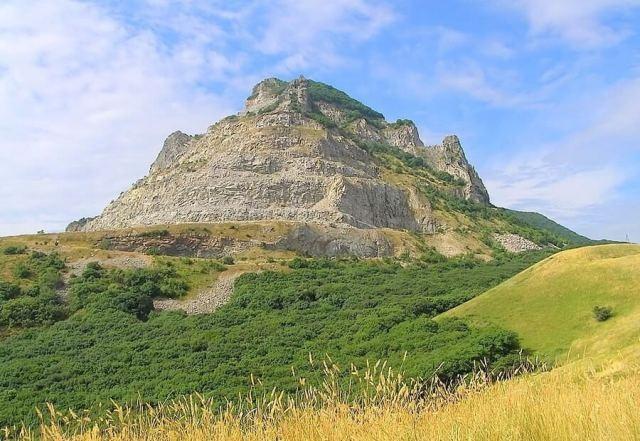 Гора Змейка в окрестностях Минеральных Вод
