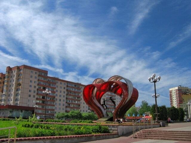 "Скульптура ""Сердца влюблённых"" в Наро-Фоминске"