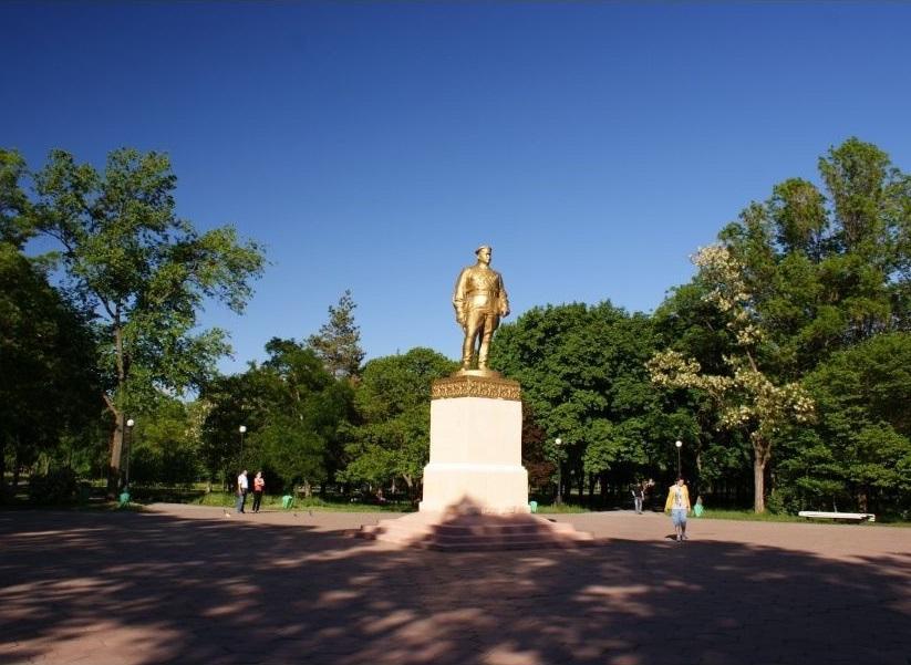 Памятник Г.И. Котовскому в Тирасполе