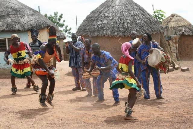 Африканская деревня в поселке Сукко