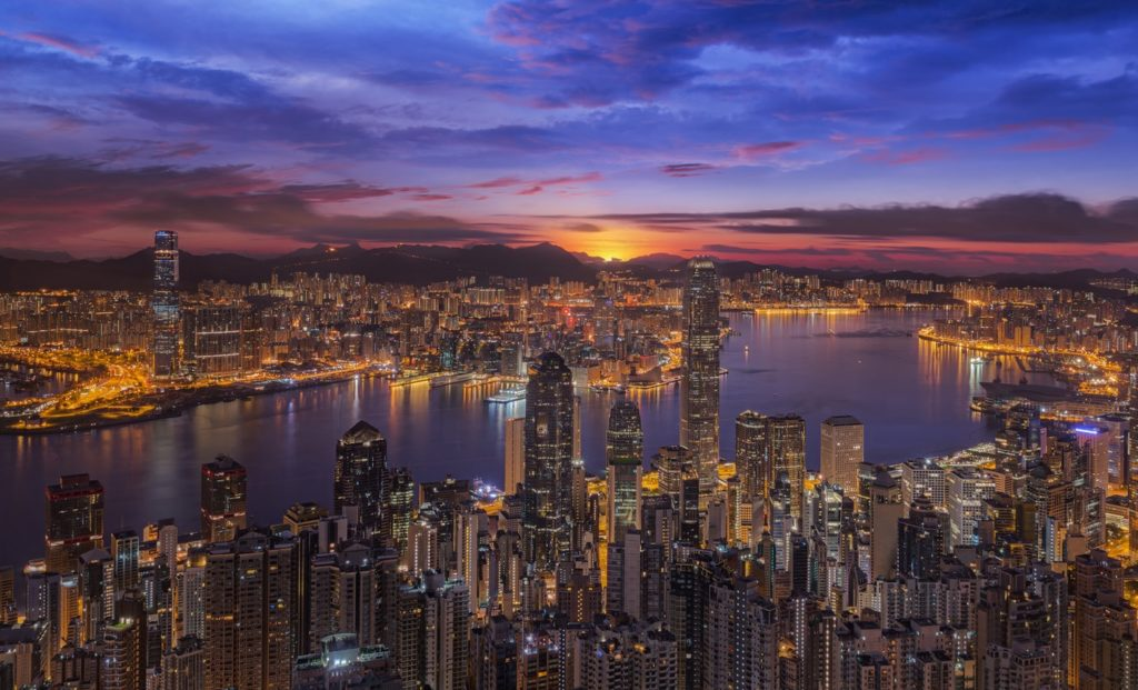 Бухта Виктория в Гонконге
