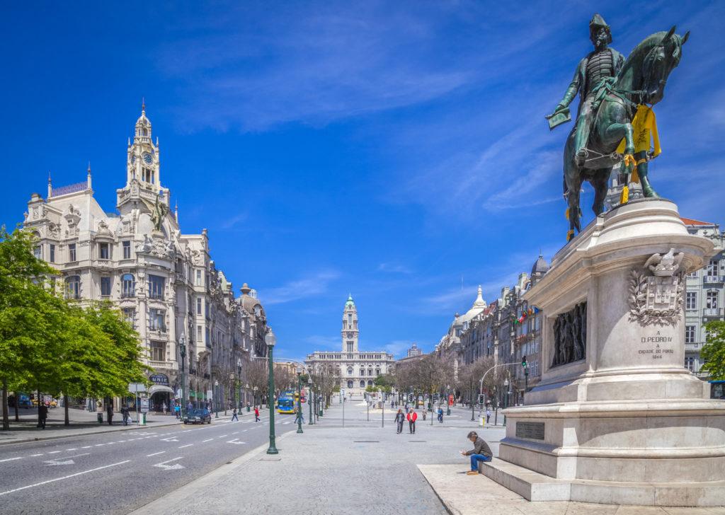 Площадь Свободы в Порту