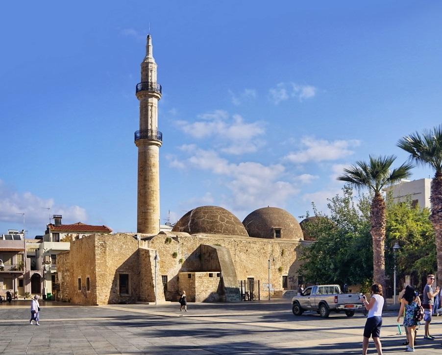Мечеть Гази Хусейна в Ретимно
