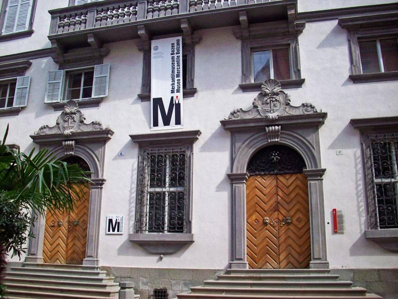Улица Арджентьери в Больцано