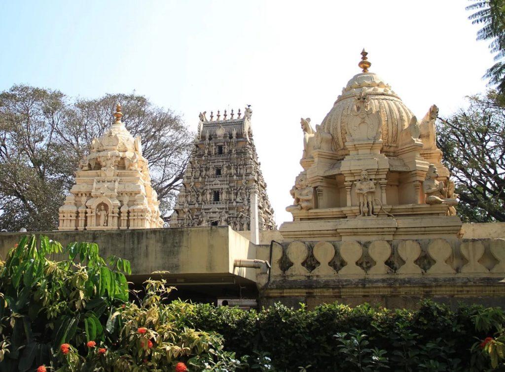 Храм Быка в Бангалоре