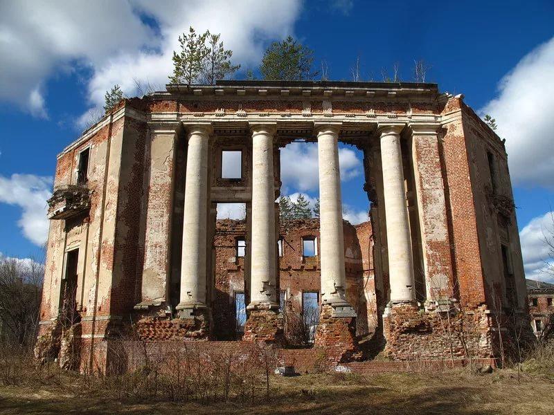 Усадьба Петровское в Наро-Фоминском районе