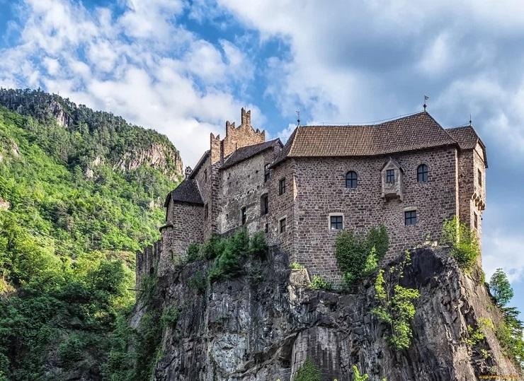 Замок Ронколо в Больцано