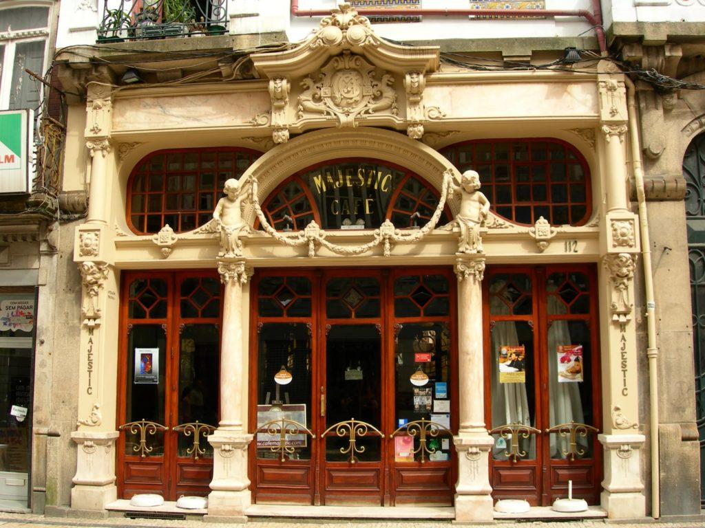 """Кафе """"Majestic"""" в Порту"""
