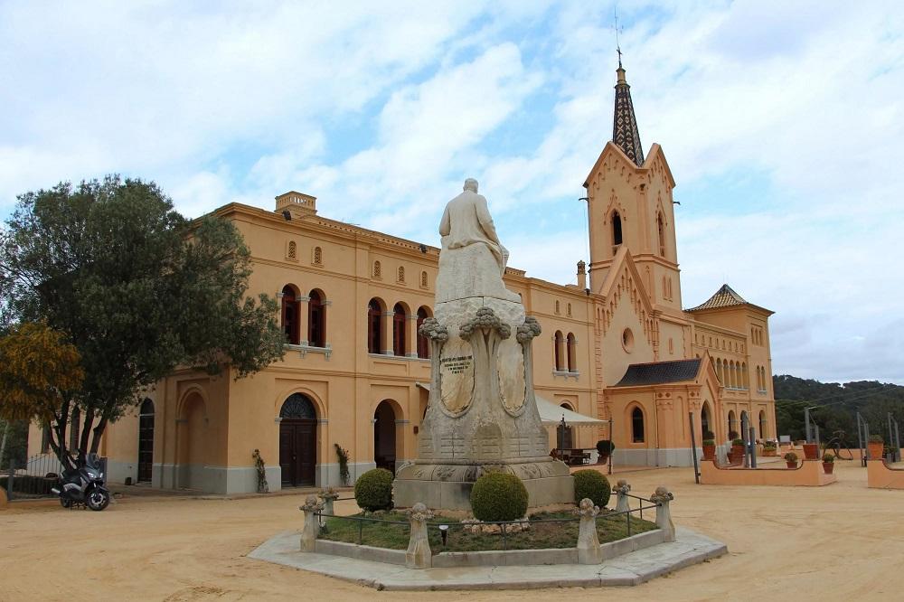 Монастырь Сан Пэр дель Боск близ Ллорет-де-Мар