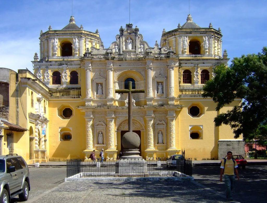 Церковь Милосердия в г. Антигуа, Гватемала