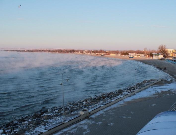 Море в Анапе зимой