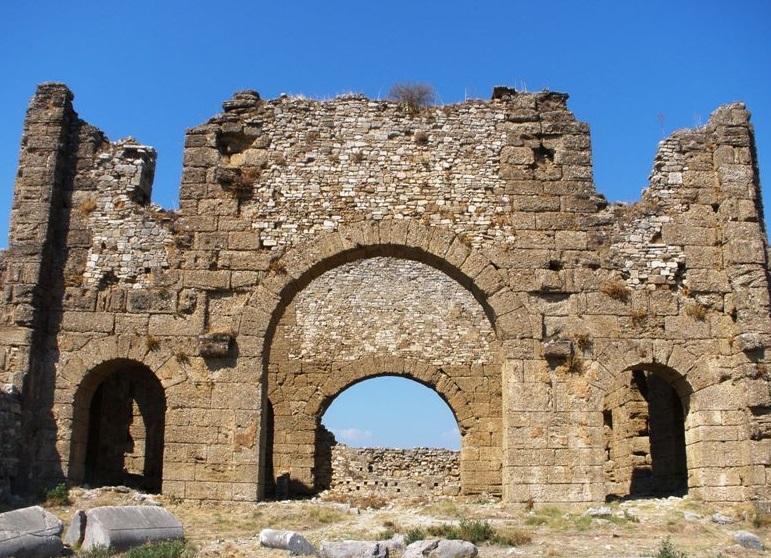 Дворец епископа в Сиде, Турция