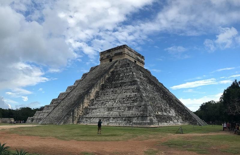 Древний город майя Чичен-Ицу в Мексике