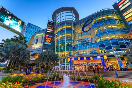 Торговый центр Mid Valley