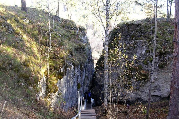 Целующиеся скалы