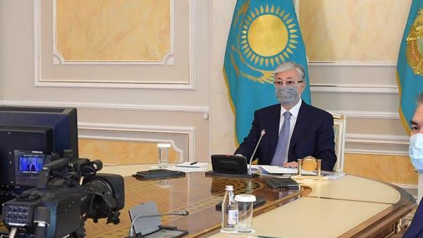 президент Казахстана на совещании