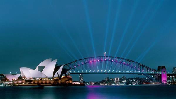 Сиднейская Опера и Харбор Бридж ночью
